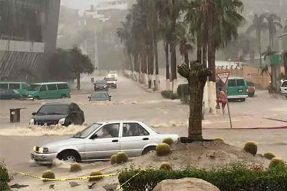 "Emiten alerta roja en Baja California Sur y Sinaloa por ""Lidia"""