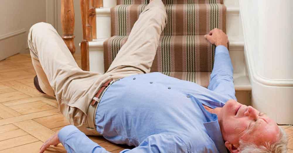 Exhorta IMSS a prevenir caídas en adultos mayores