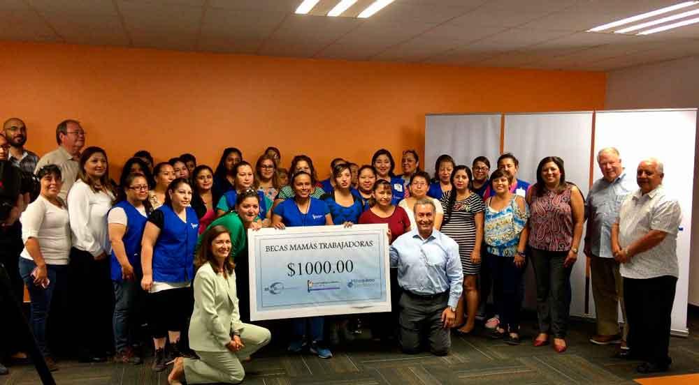 """Empresas de Tecate reconocen a empleados en el """"Día de la Educación"""""""