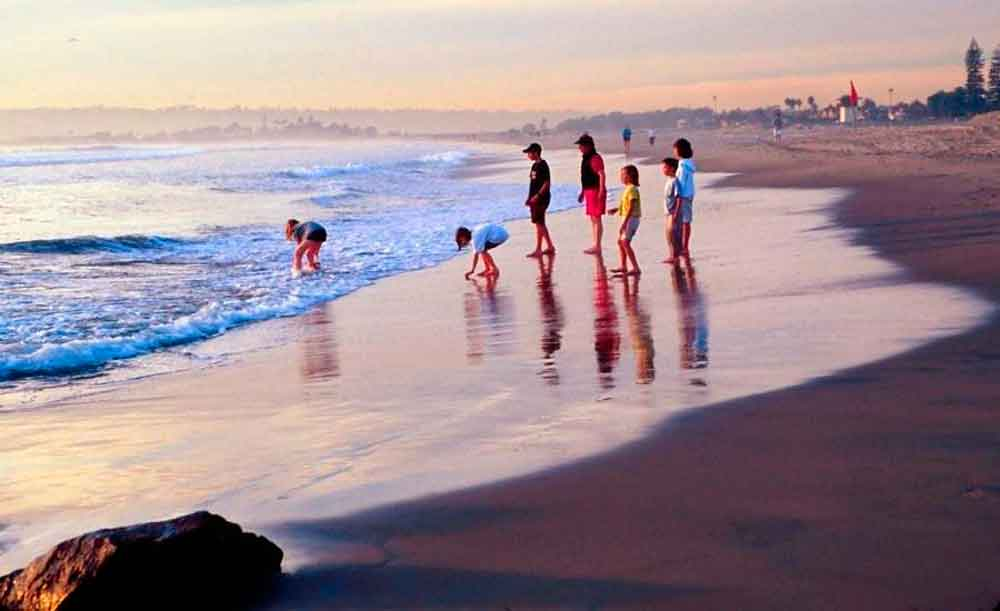 Alerta en playas de San Diego por contaminación enviada desde Baja California
