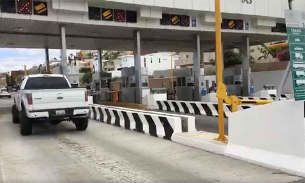 Continúa liberada caseta en Playas de Tijuana, automovilistas no pagan peaje