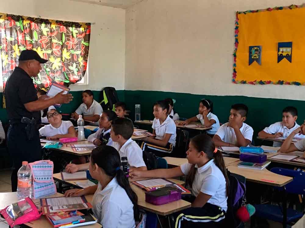 Benefician a 20 escuelas de Tecate con programa DARE