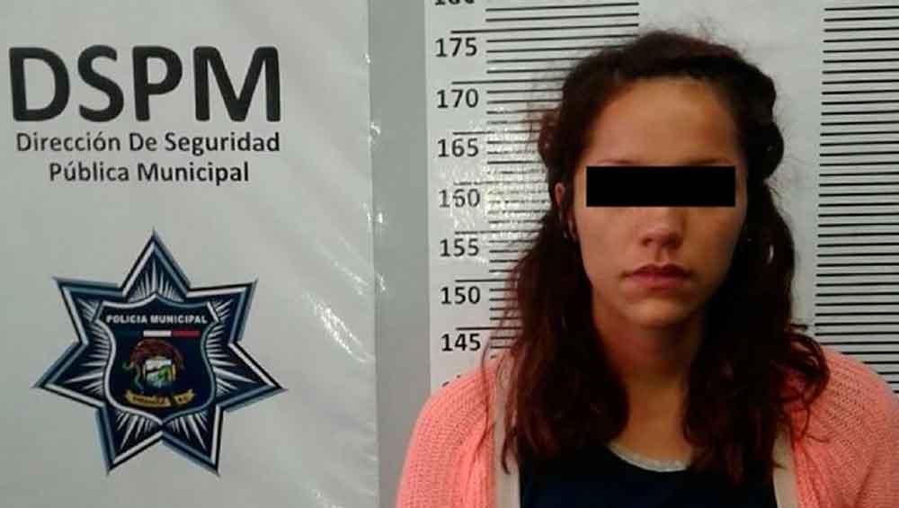 Capturan a jovencita robando ropa interior y maquillaje en tienda de Ensenada