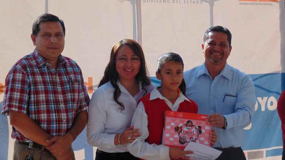 Entrega SEE útiles escolares a escuelas de la zona rural de Tecate