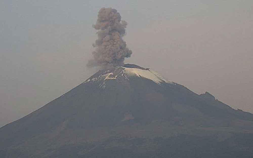 Video: Popocatépetl hace erupción tras sismo de 7.1