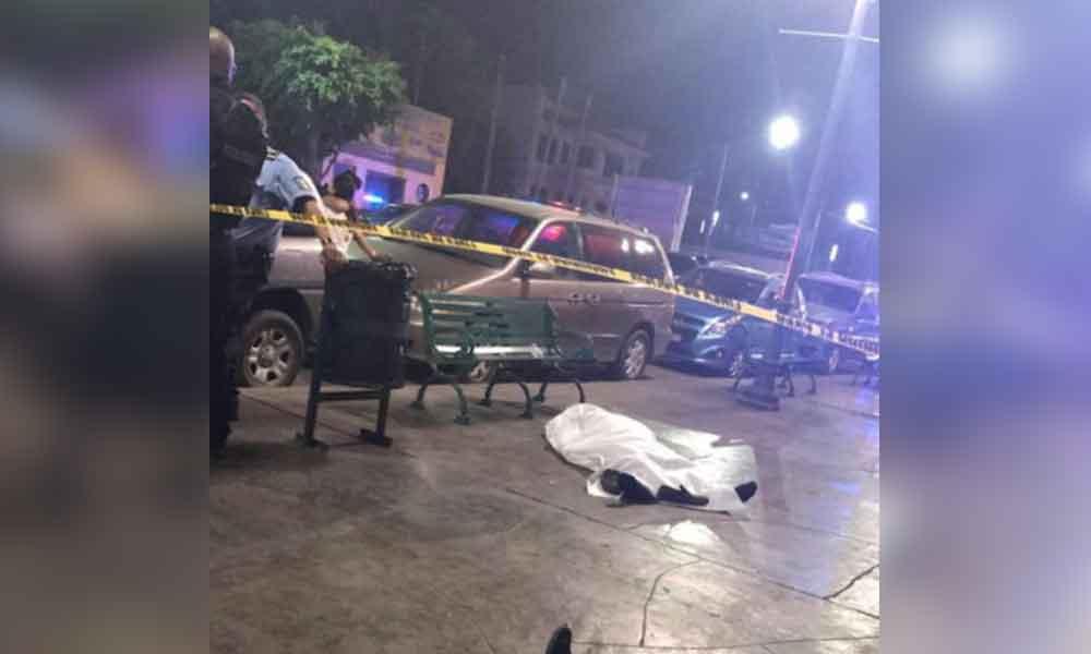 """Hombre muere en Bar """"Las Pulgas""""; guardias lo sacan a la calle por la puerta de atrás"""