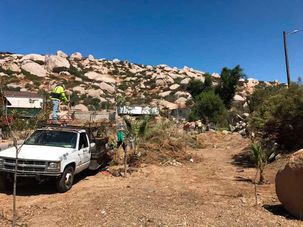 Emprende Ayuntamiento trabajos de limpieza en la Escudero