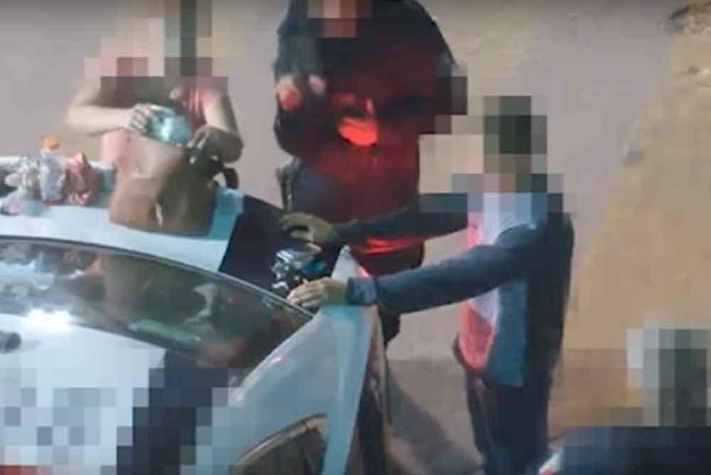 Captan a dos policías de Tijuana robando pertenencias de detenidos