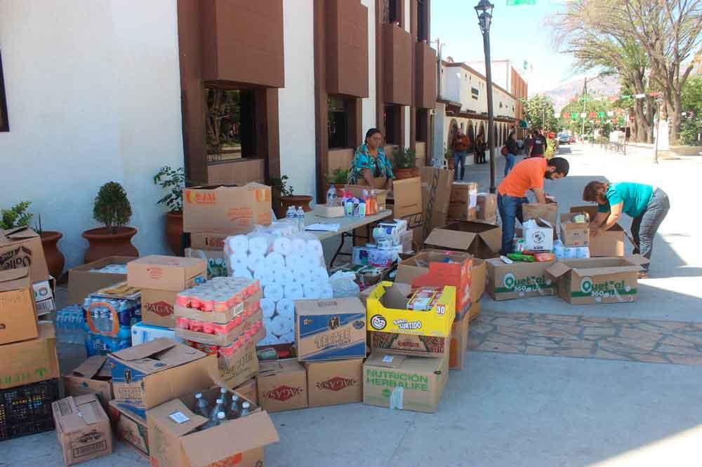Ayuntamiento sigue recibiendo ayuda para damnificados su centro de acopio
