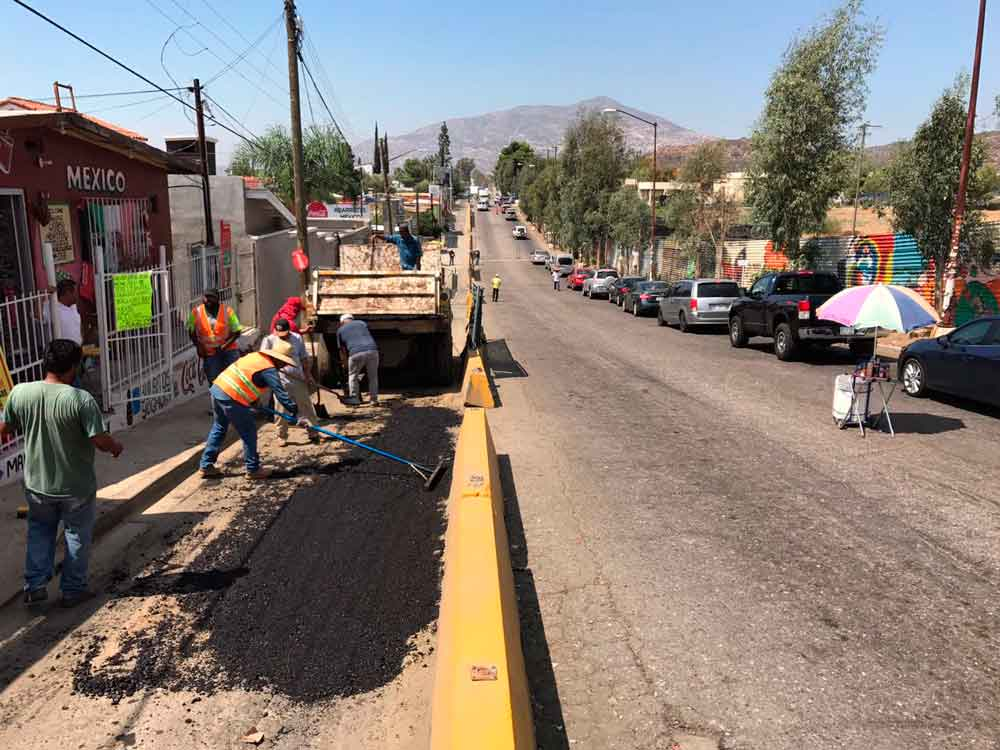Inician programa de Bacheo en Tecate