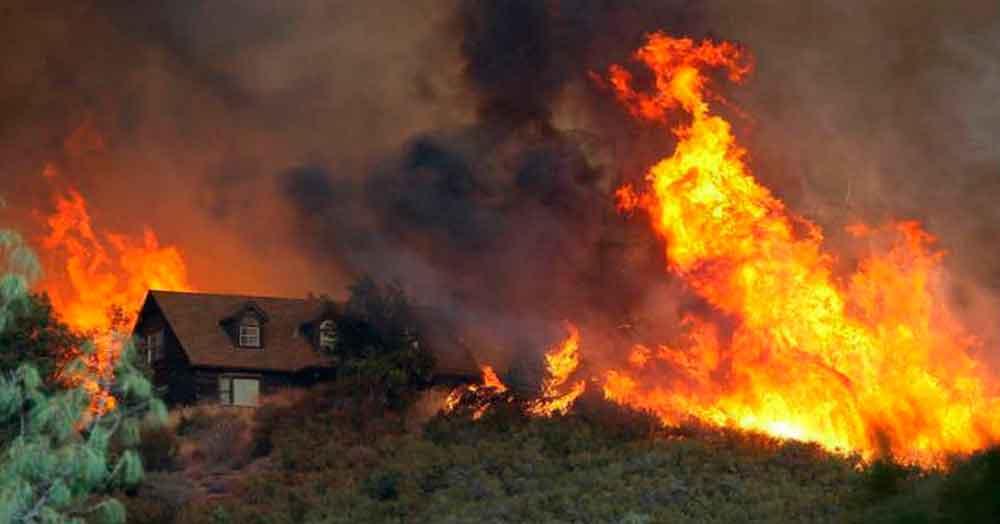 Declaran estado de emergencia en California por fuertes incendios
