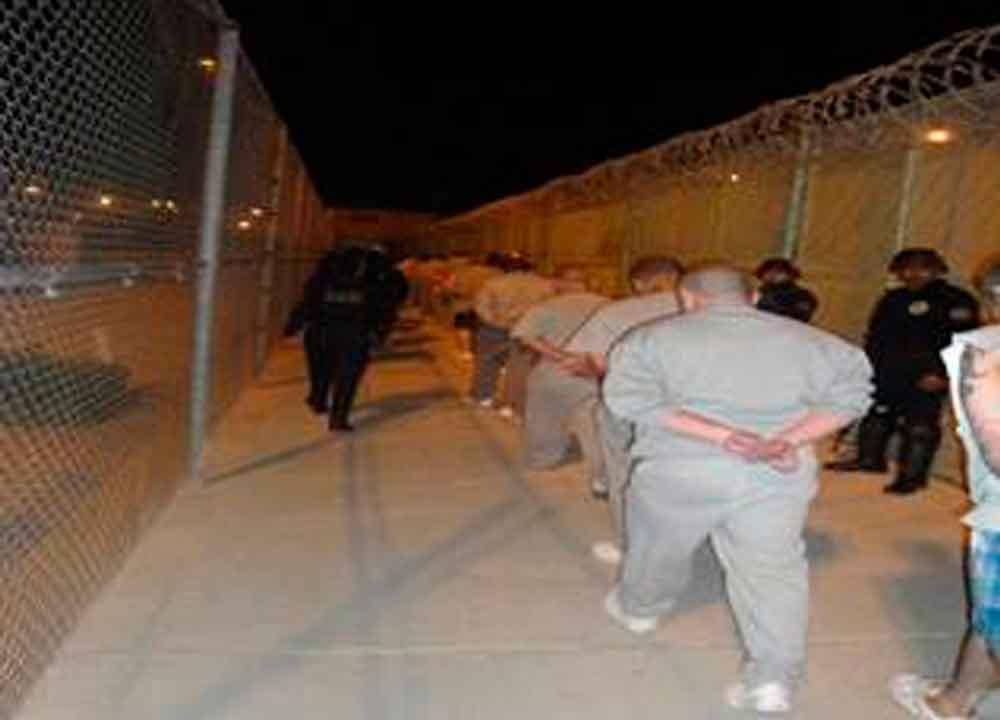 Trasladan a 21 reos de penal de Tijuana a el Hongo III