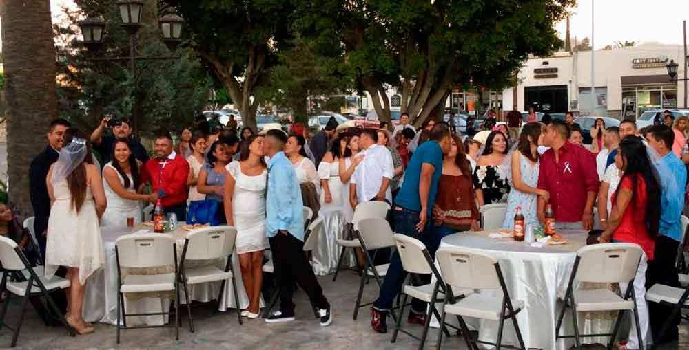Realizan Matrimonios y Registros Colectivos en el Aniversario de Tecate