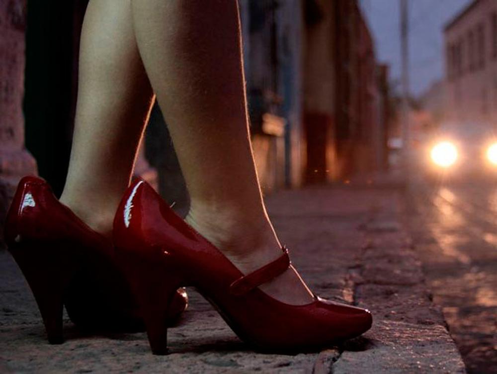 Rescatan a dos niñas que se prostituían a cambio de drogas