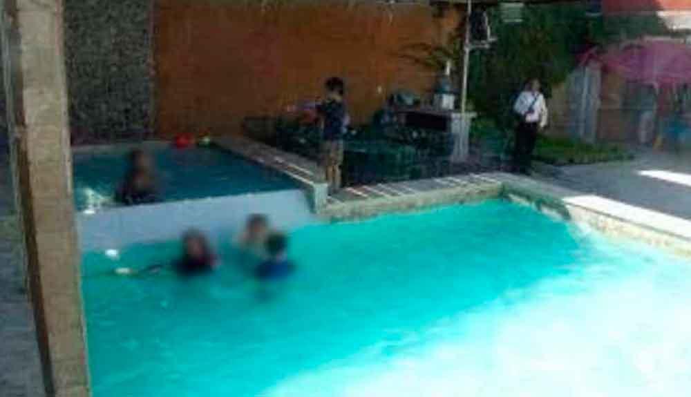 Político invitaba a niños a clases de natación para abusar sexualmente de ellos