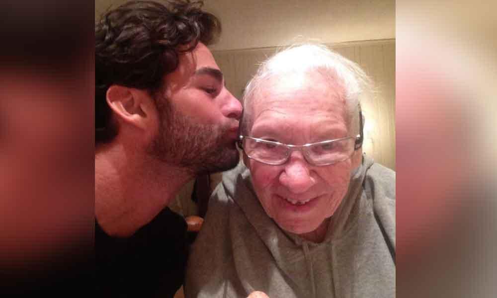 Chris adoptó a su vecina de 89 años en etapa terminal