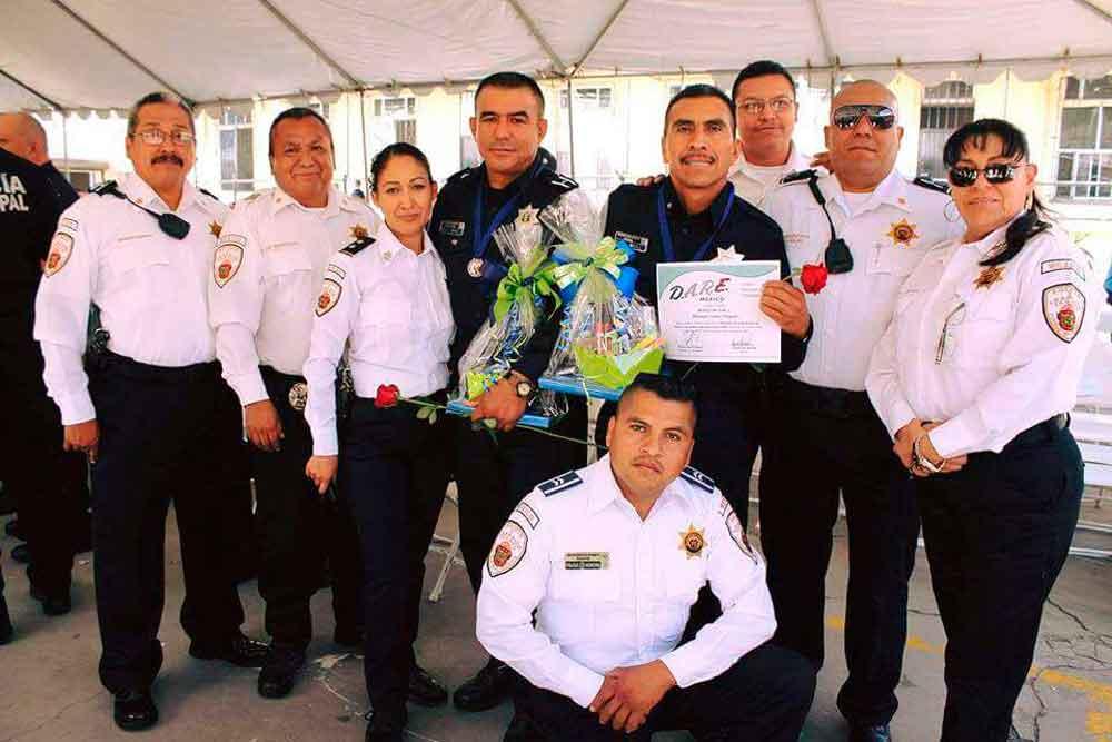 Programa D.A.R.E. certifica a oficiales de la Dirección de Seguridad Ciudadana