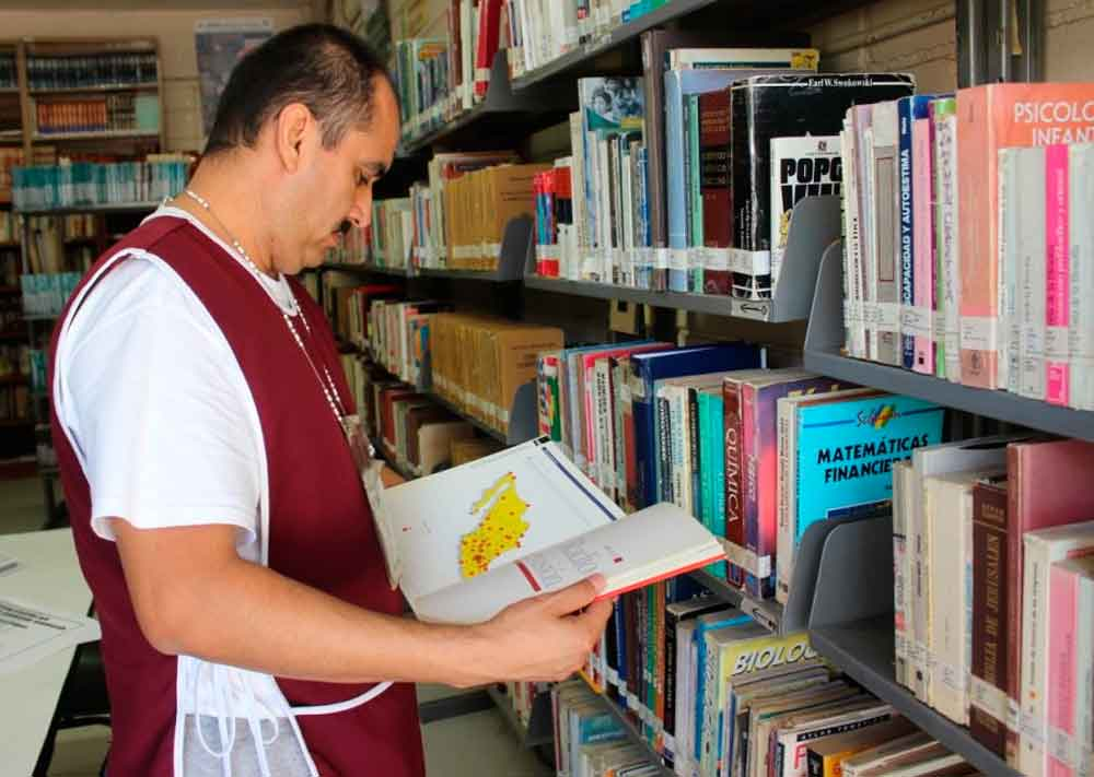 Reinaguran bibliotecas en CERESO de Tijuana