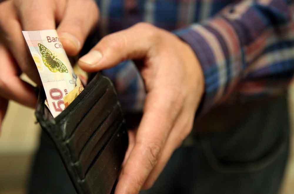 Piden aumentar salario mínimo a 95.24 pesos