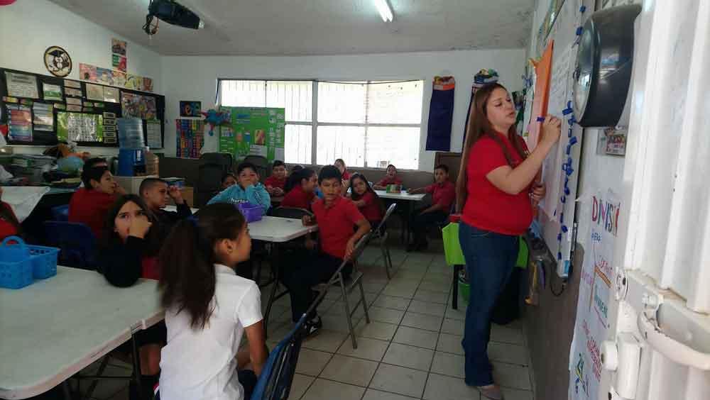 Inicia SEE brigadas de bilingüismo en escuela de Tecate