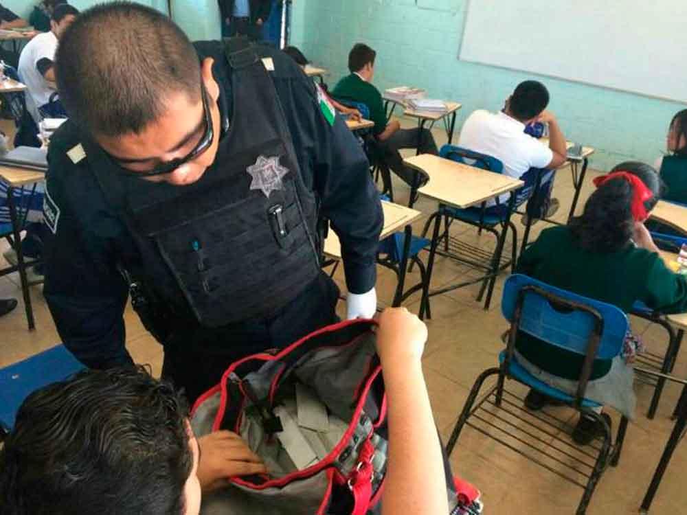 Detectan a niño armado en escuela de Tijuana
