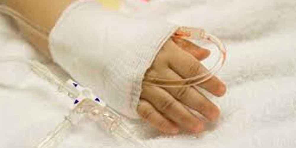 Niña de 2 años entra la vida y la muerte tras ser brutalmente golpeada por su padrastro