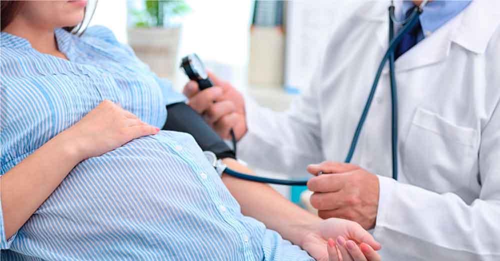 Exhorta IMSS control prenatal para prevenir preeclampsia