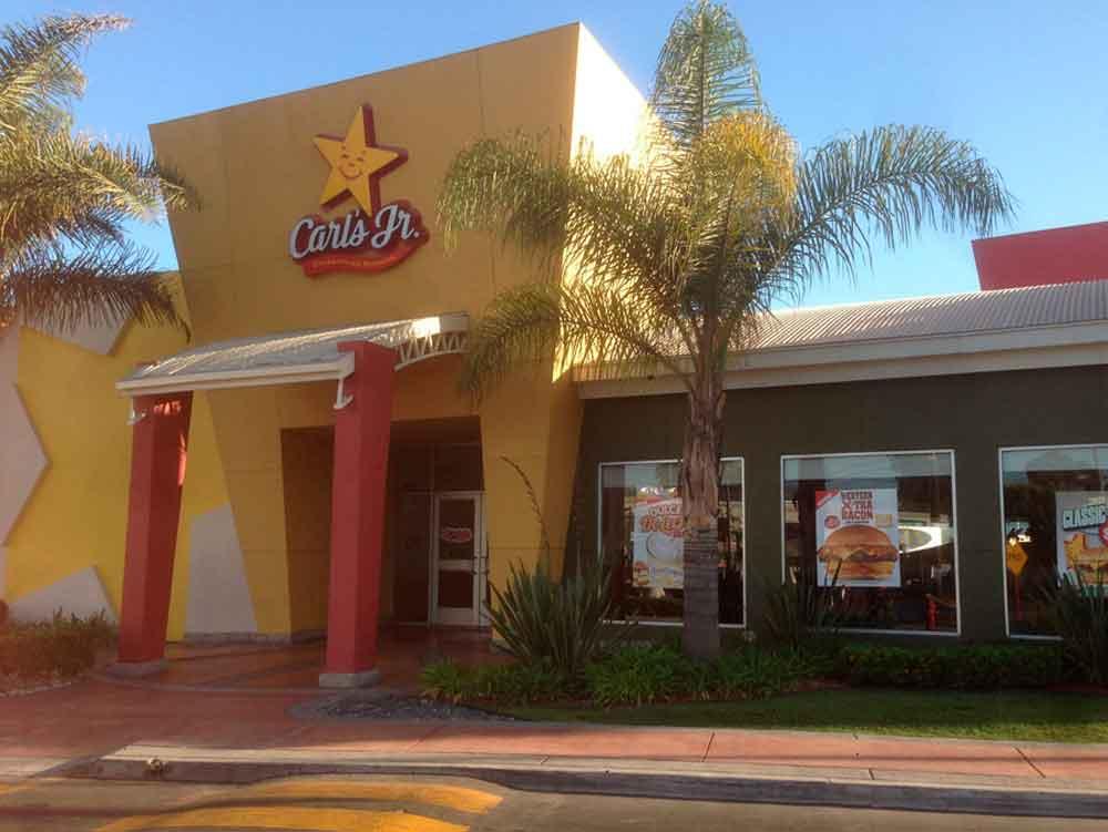 Tres personas intoxicadas tras comer en Carl´s Jr Tijuana