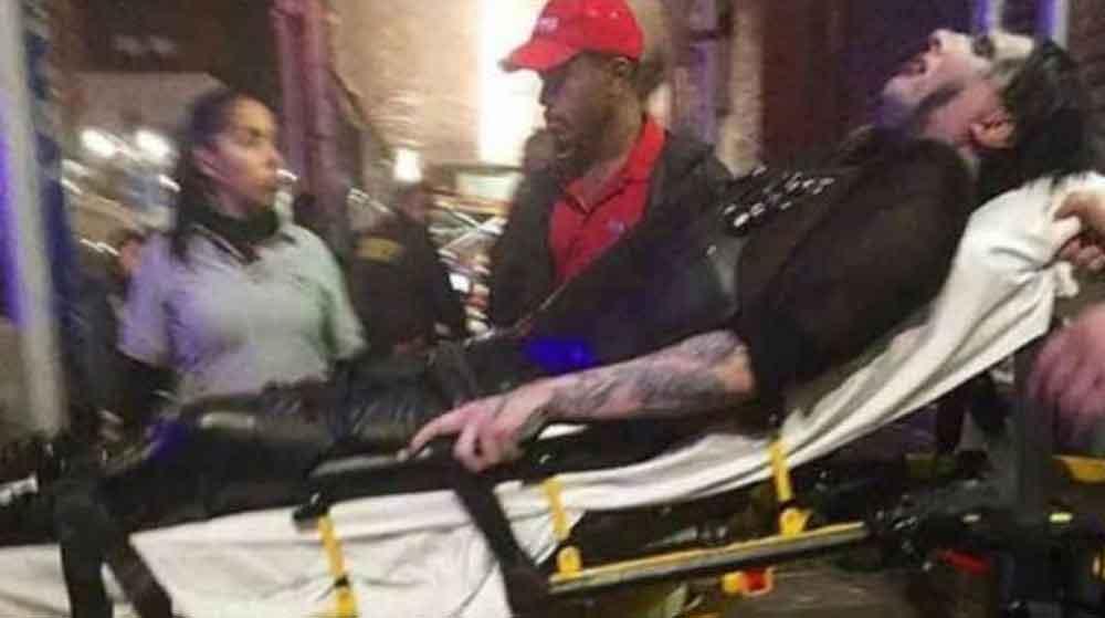 ¡De miedo! A Marilyn Manson le cae la escenografía encima durante concierto