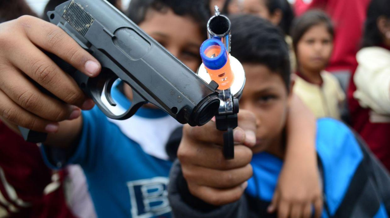 Con nueva ley, niños podrán usar armas en Wisconsin, EU