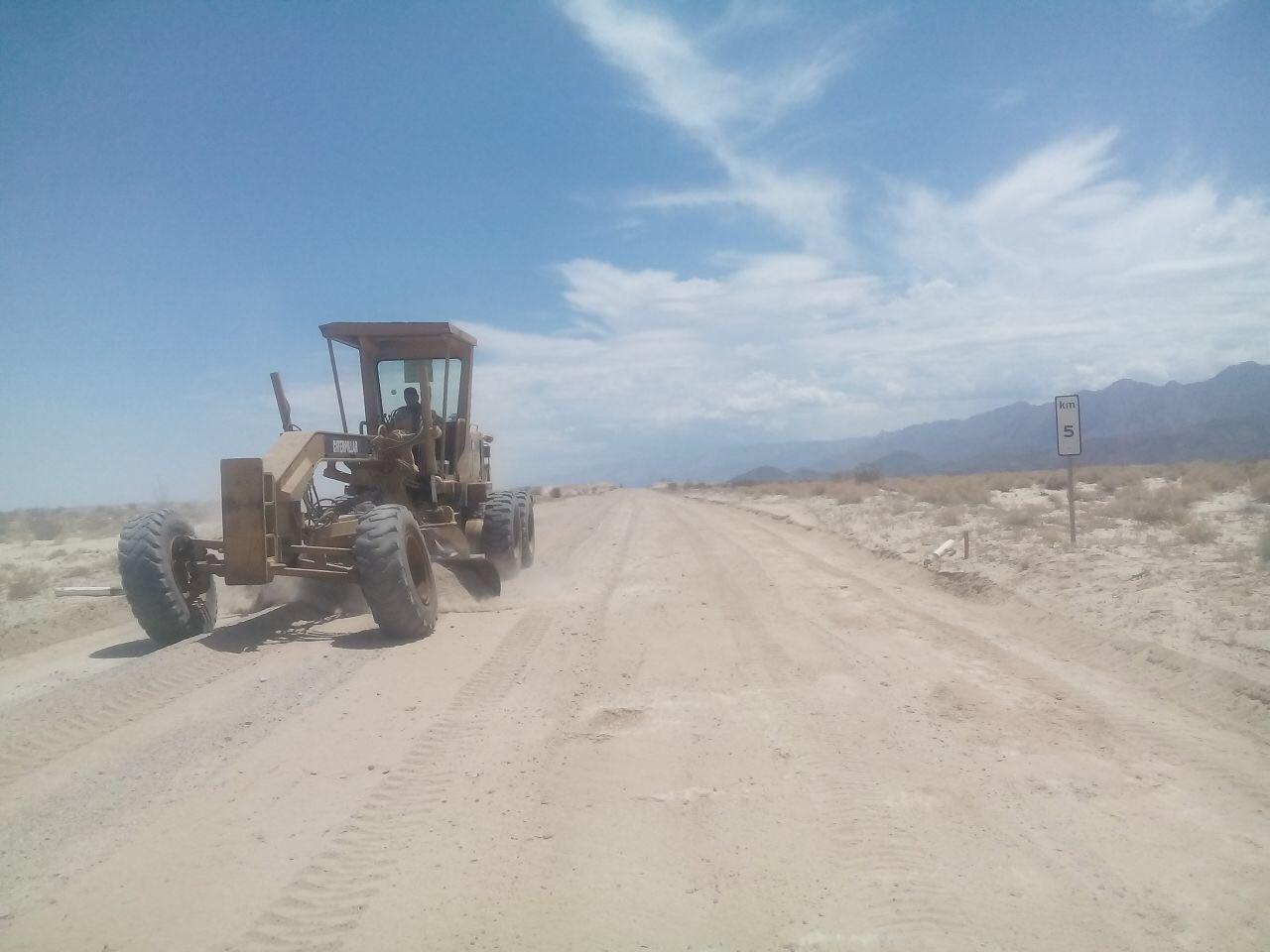 Realizó SCT trabajos de reconstrucción en caminos rurales de la Laguna Salada.