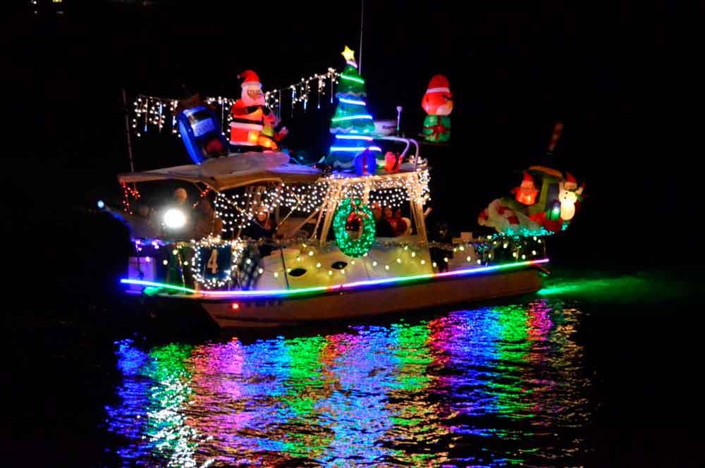 Todo Listo Para Desfile De Las Luces De Embarcaciones En