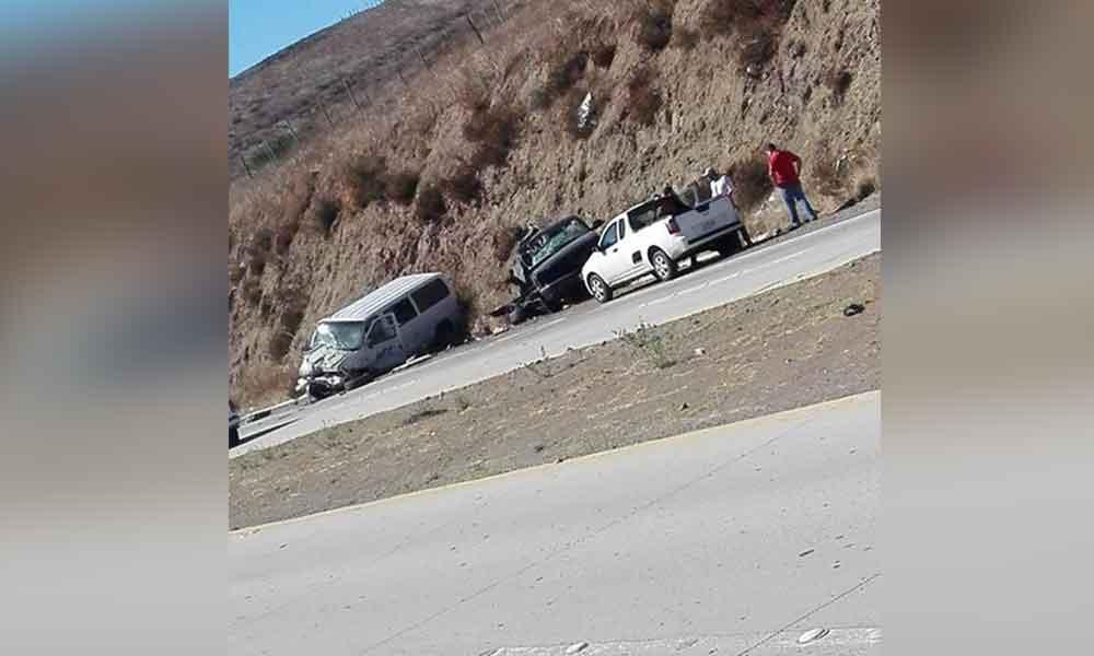 Se registra fuerte accidente en Bulevar 2000; panel de UTT involucrada