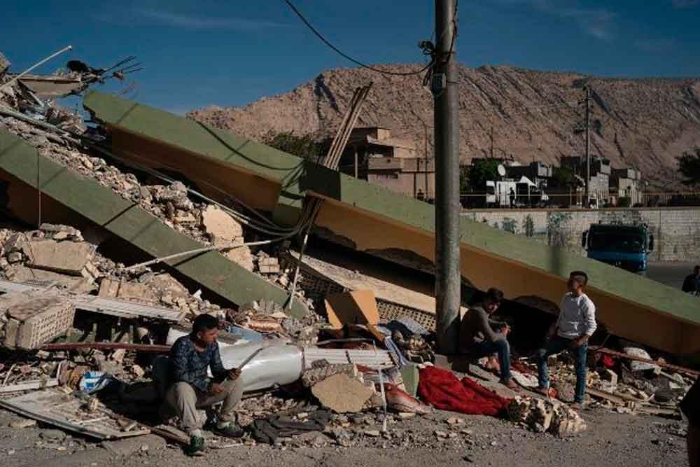 Potente sismo entre Irán e Irak deja más de 400 muertos