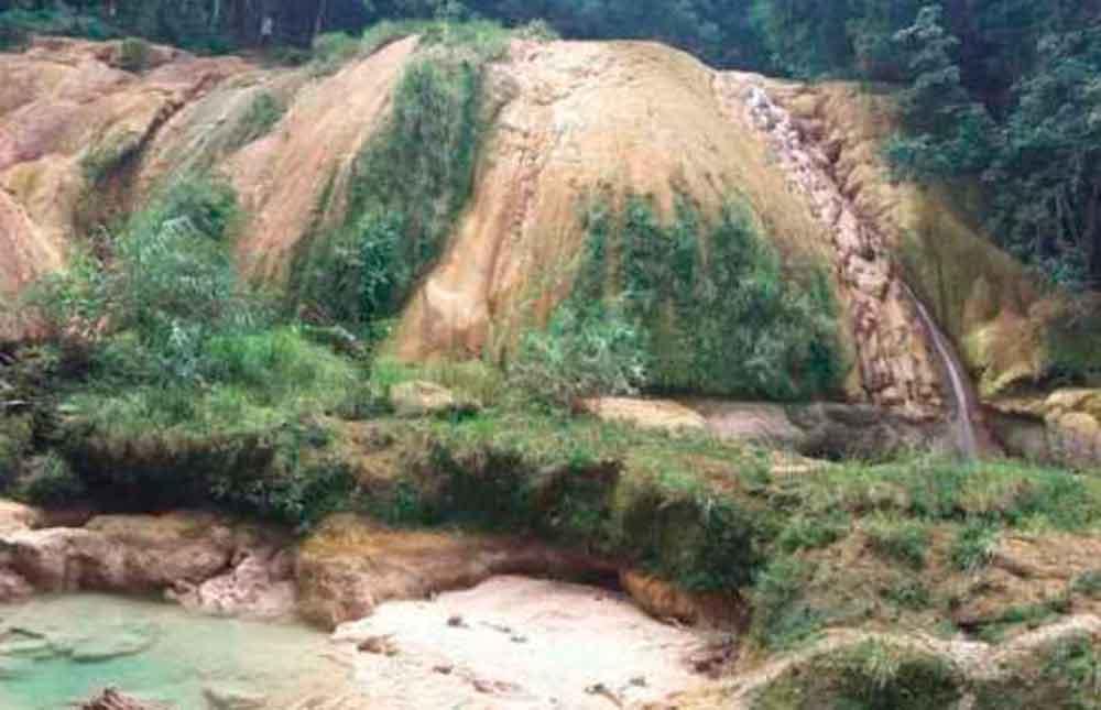 Cascadas de Agua Azul en Chiapas están en peligro de secarse