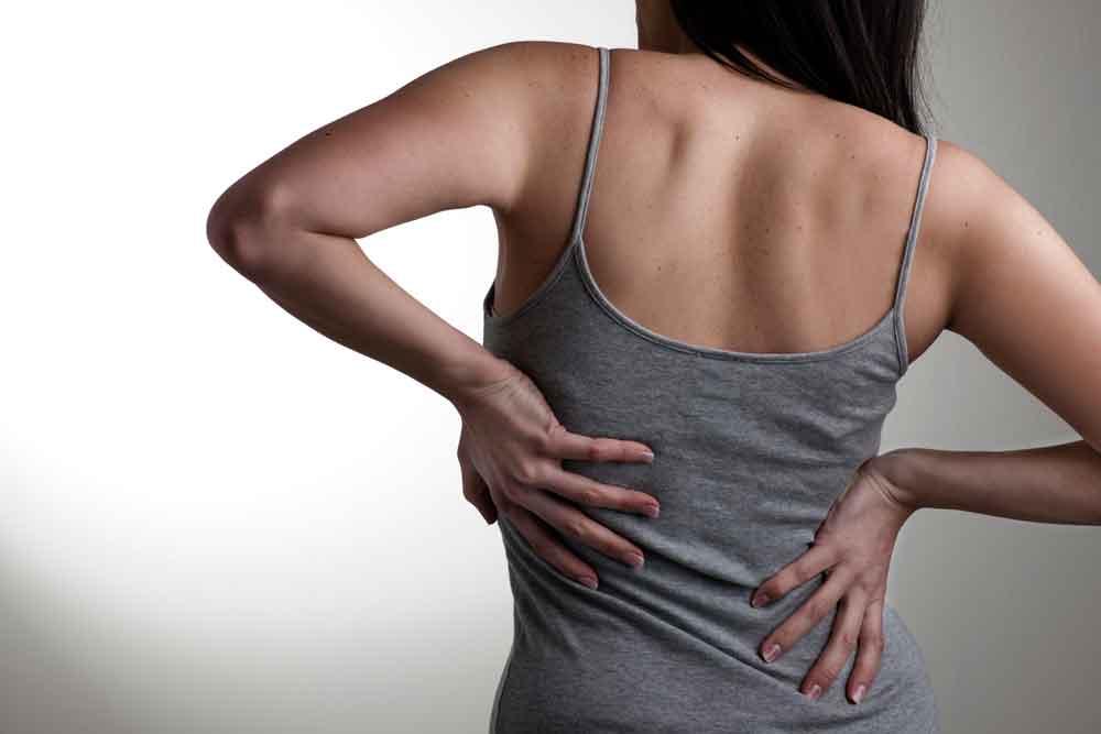Mujeres más propensas a lesiones de columna: IMSS