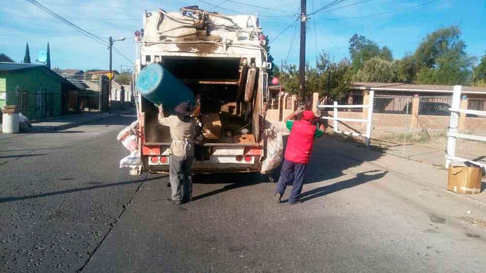 Atiende Ayuntamiento con personal propio la recolección de basura
