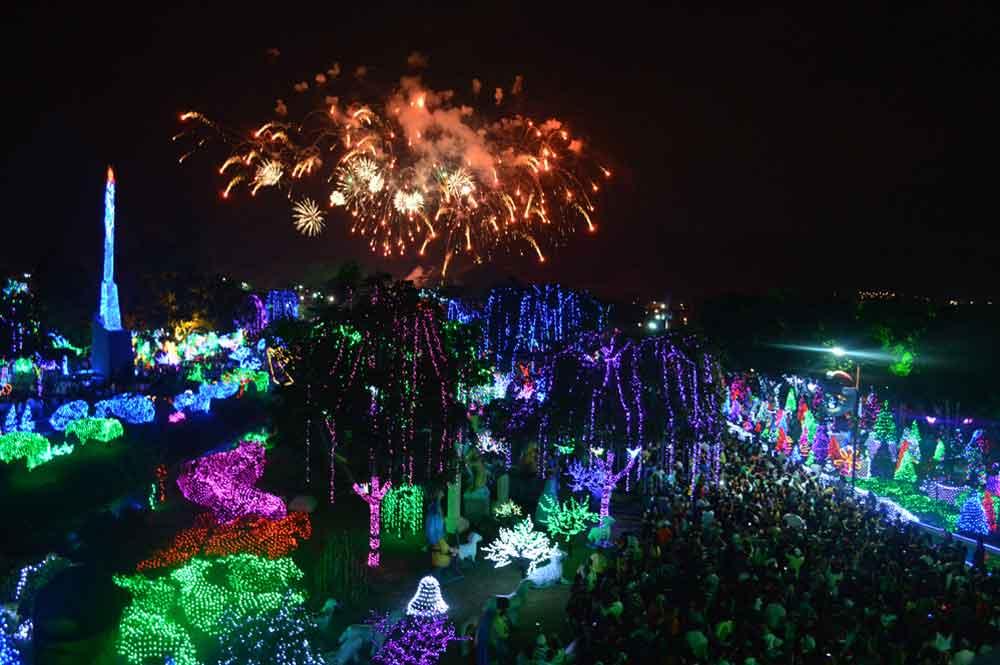 Navidad en San Diego iniciará con 30 millones de luces el 1° de diciembre