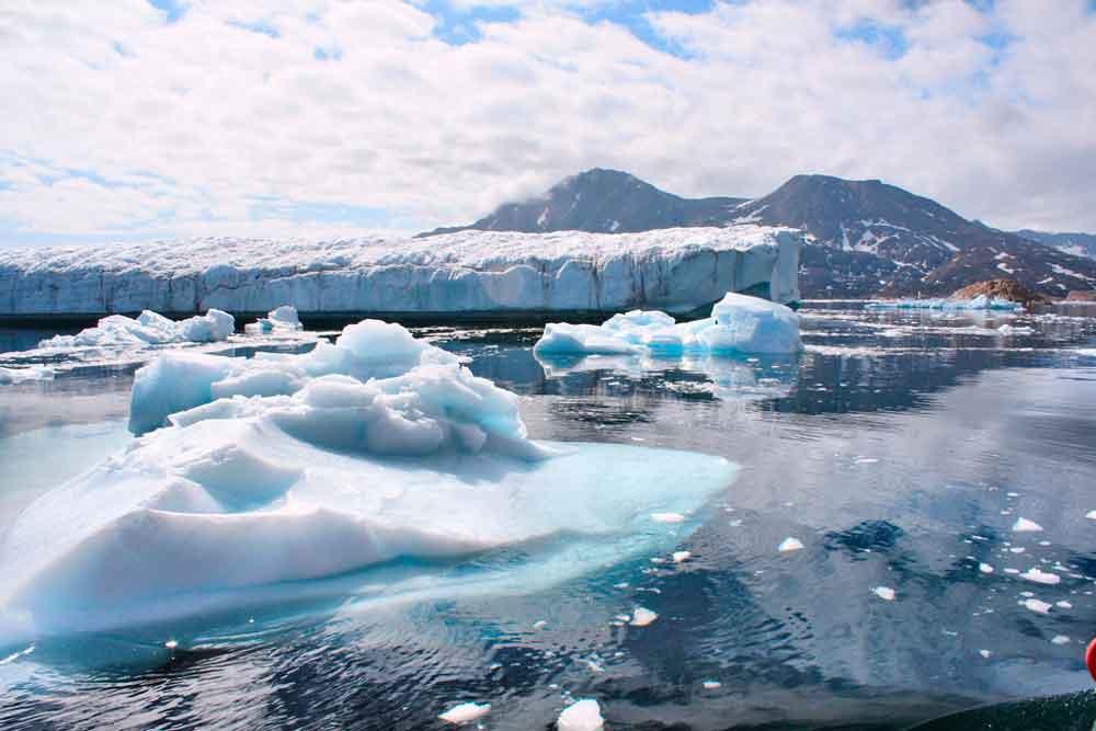Se acelera el deshielo de glaciares en Groenlandia