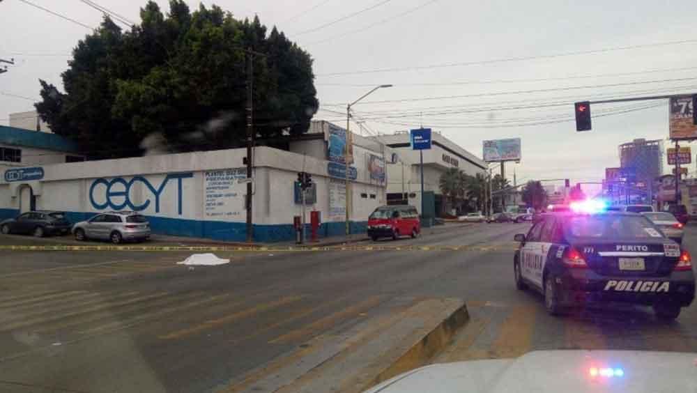 Peatón muere tras ser atropellado por taxista en Tijuana