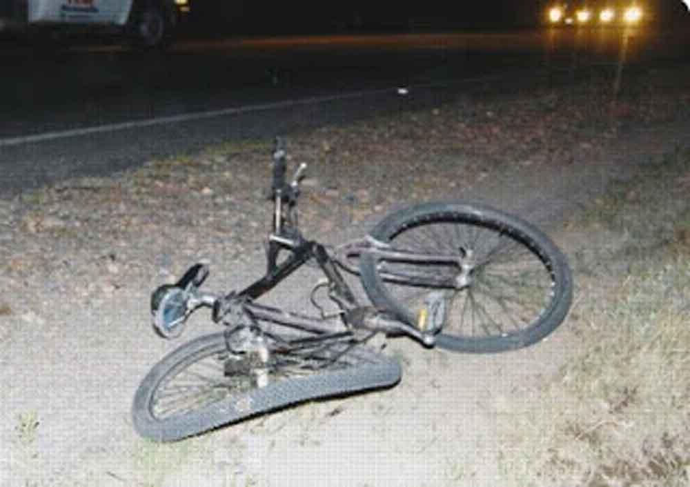 Hombre borracho muere al caer de su bicicleta