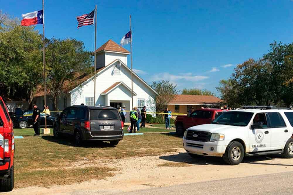 Decenas de muertos y heridos por tiroteo en iglesia de EU