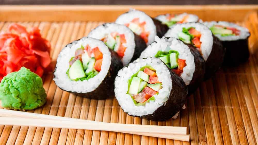 Clausuran restaurante de sushi en Mexicali por 30 intoxicados