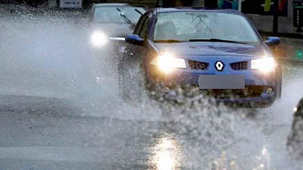 10 Consejos para conducir seguro bajo la lluvia