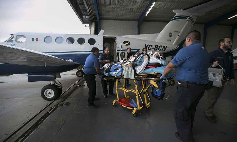 Trasladan en ambulancia aérea de Gobierno del Estado a joven tijuanense grave que se encontraba en la Paz