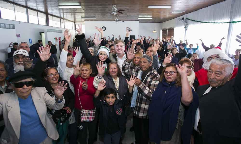 Reconoce Gobernador Kiko Vega aportación de los adultos mayores al desarrollo de Baja California