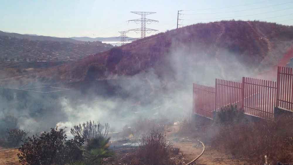 Controlan Bomberos incendios forestales en Ensenada
