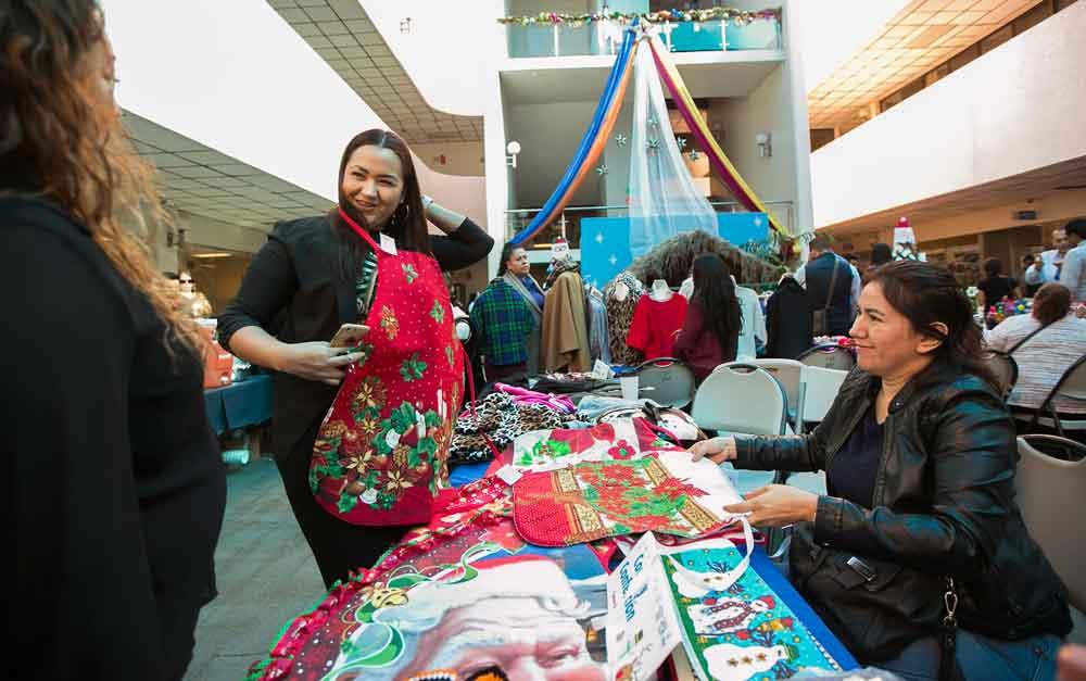 Celebró DIF BC Bazar Navideño en Tijuana