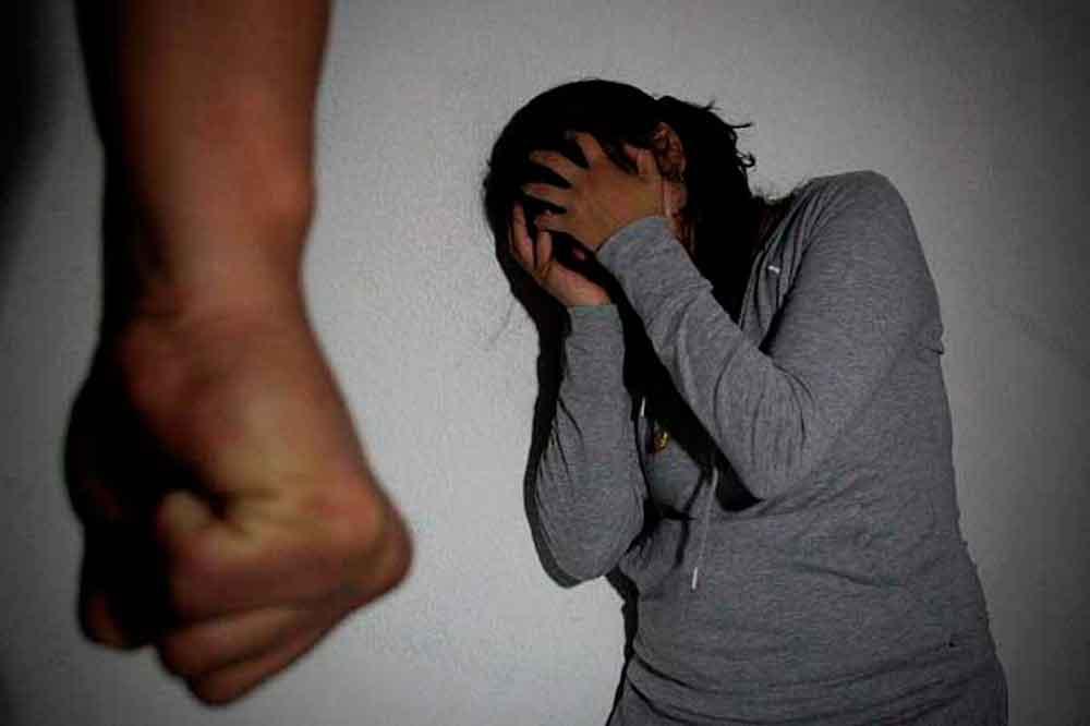 Niña de 14 años casi muere a manos de su novio de 17