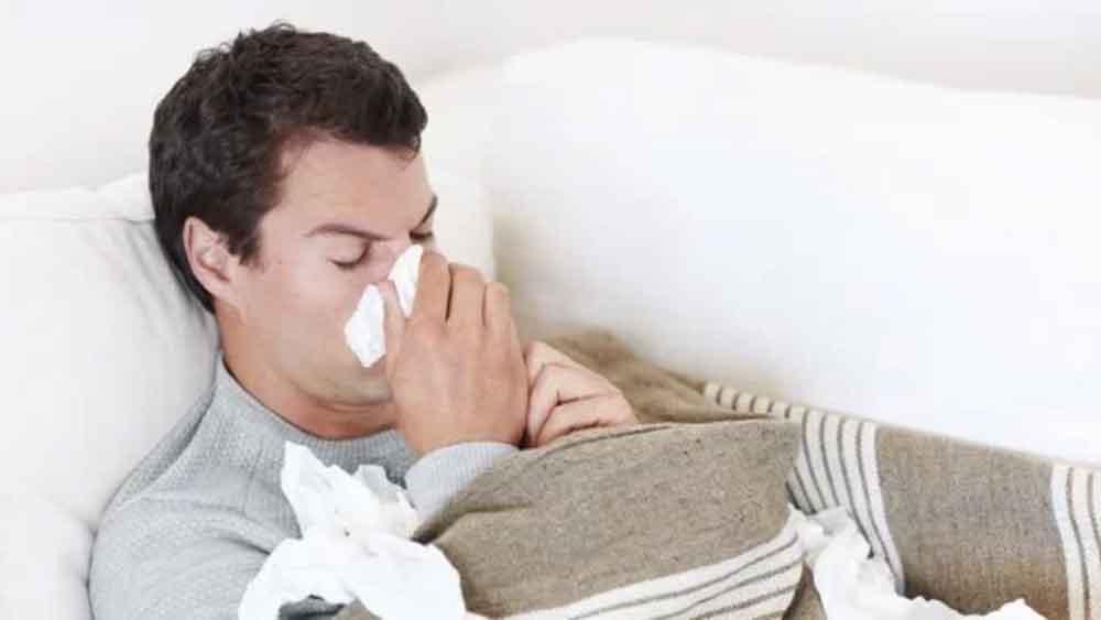 No es exageración, la 'gripe del hombre' es real y más severa